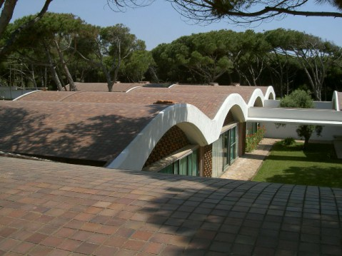 Casa Gomis, roof (colour)